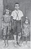 Μαργαρίτα-Παναγιώτης-Ελένη Πάκκου γύρω στο 1948