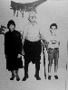 Γεώργιος Πάκκου με τα εγγόνια του