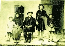 Παναγής Χατζηκουτσού Πάκκου με σύζυγο Δέσποινα και εγγόνια Μαργαρίτα-Δέσποινα & Παναγιώτη